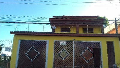 Sobrado Alto Padrão - 04 Dormitórios, 04 Banheiros - Codigo: So0198 - So0198