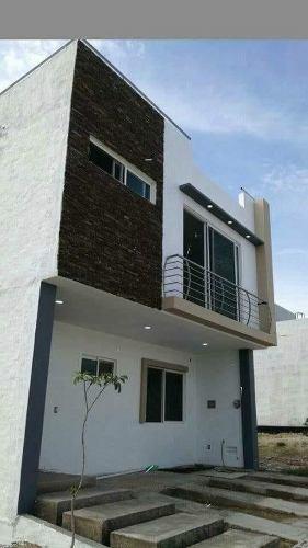 Hermosa Casa En Valle Imperial Con Roof Garden Excelentes Acabados