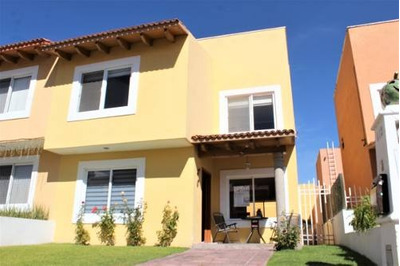 Casa En Venta En Altavista, Juriquilla