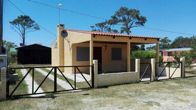 Alquilo O Vendo Casa En Alvorada Con Cabaña En Mismo Predio