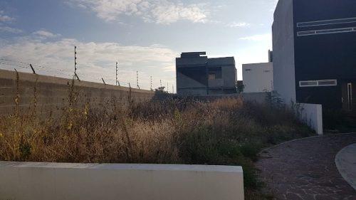 Se Vende Terreno En La Cima, De 250 M2 - Esquina, Alberca, Casa Club, Seguridad