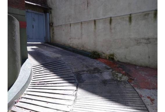 Cochera Caseros Centro Entrada Por Rampa