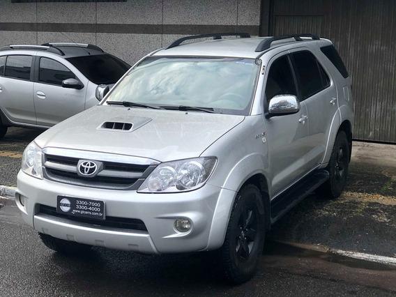 Toyota - Hilux Sw4 Srv 4x4 Diesel 5 Lugares