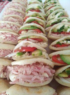 Arepas Venezolanas De Maiz Precocido Copetin Lunch