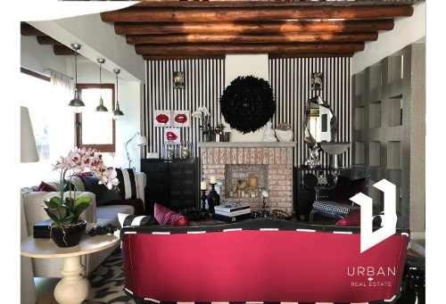 Casa De Revista