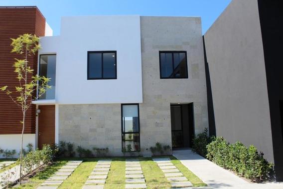 Casa En Venta En Altos De Juriquilla, Queretaro, Rah-mx-20-22