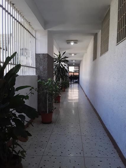 Vendo Apto En Zona Céntrica De Mcay-yelitza 0412-8859981