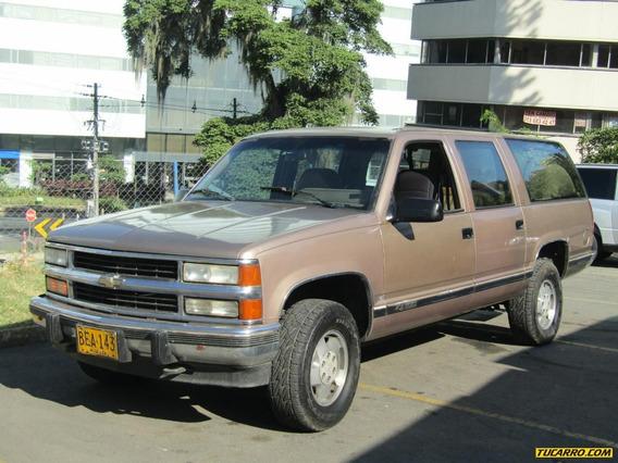 Chevrolet Suburban At 5700 4x4