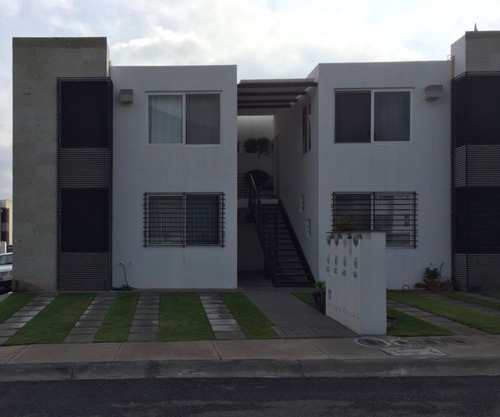 Imagen 1 de 14 de Casa Duplex En Privada De 2 Recamaras  Frente Casa Club
