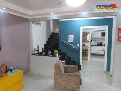 Maravilhoso Sobrado 3 Dormitórios, Suíte, Piscina E Garagem 3 Autos, Centro - Sv - So0220