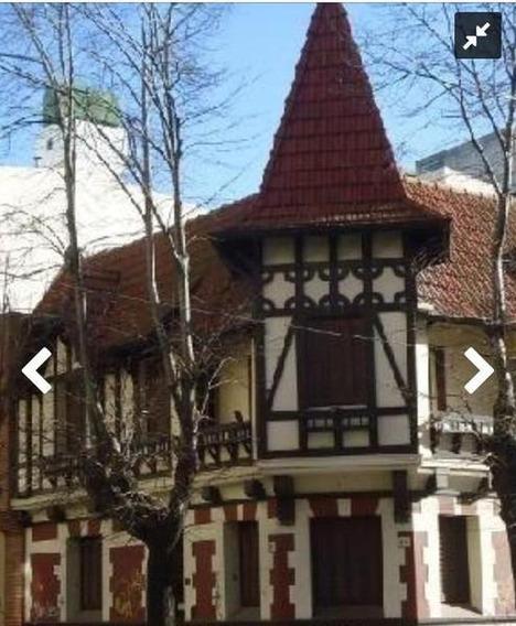 Casa En Venta En Hipólito Yrigoyen Esq. Moreno Centro - Alberto Dacal Propiedades