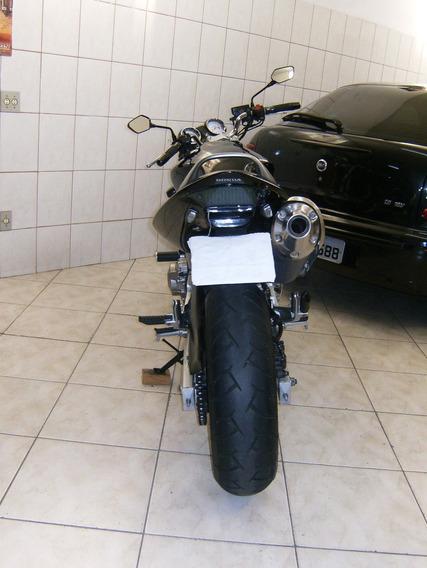 Hornet 2005/2006 Preta.