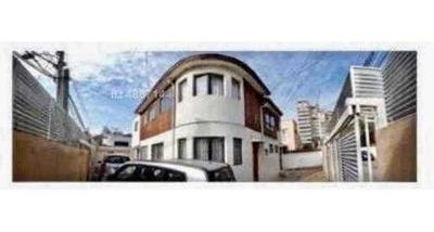 Casa Ideal Para Uso Comercial, Excelente Ubicacion, Cercana