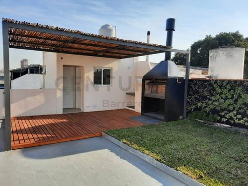 Imagen 1 de 30 de Unico Ph Reciclado A Nuevo. Tres Dormitorios. Jardin, Deck, Parrilla Y Terraza