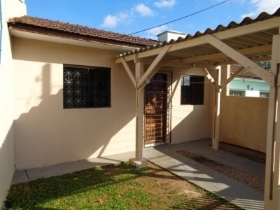 Casa - 3 Dormitorios - Ótima Localização - 1346