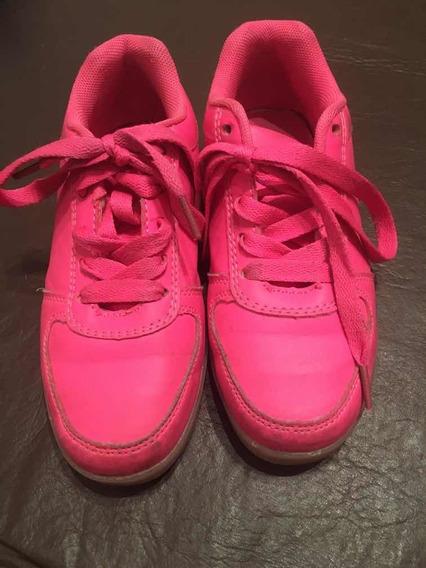 Zapatillas Con Luces Talle 32 Color Fuxia. Usadas