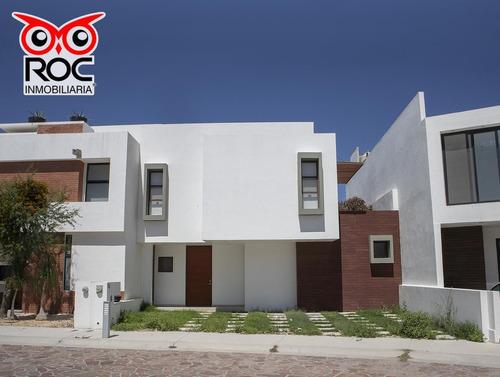 Excelente Casa En Venta En Cañadas Del Lago,  Corregidora, Querétaro, Qro.