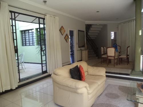 Casa 614m² Bairro Dona Clara - 704