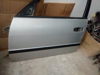 Porta Dianteira Esquerda Corolla 98 Perua