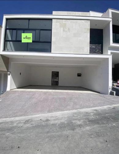 Imagen 1 de 12 de Casa En Venta En Fraccionamiento Lomas Del Vergel, Zona Carretera Nacional (vav)