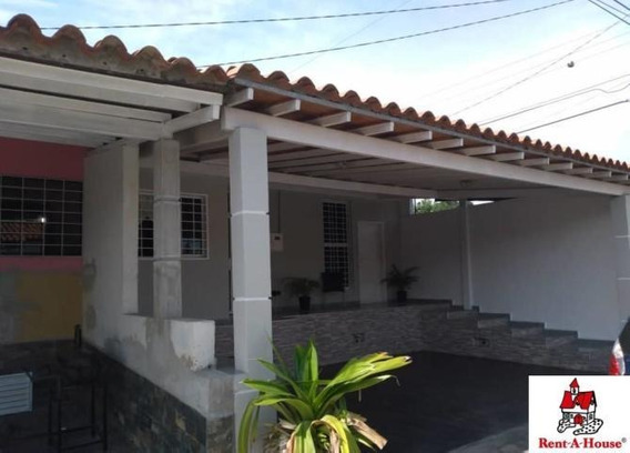 Casa En Venta La Mora Cabudare 20-6055 J&m 0412 0580381
