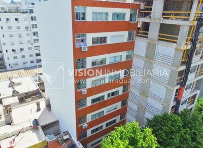 Apartamento De 2 Dormitorios Y 1 Baño, Palermo Parque Rodó