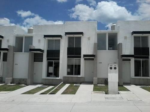 Venta Casa Leon Hermosa Nueva 3 Rec. 2.5 Baños Fracc. De Acceso Controlado