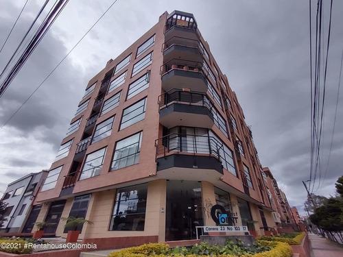 Apartamento En  Chico Navarra Rah Co: 21-1877