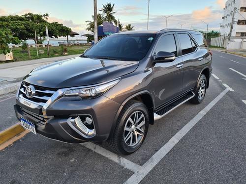 Toyota Sw4 2017 2.8 Tdi Srx 7l 4x4 Aut. 5p