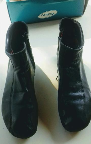 Zapatos De Mujer Cuero Negro Tipo Botitas Forradas Y Cierre.