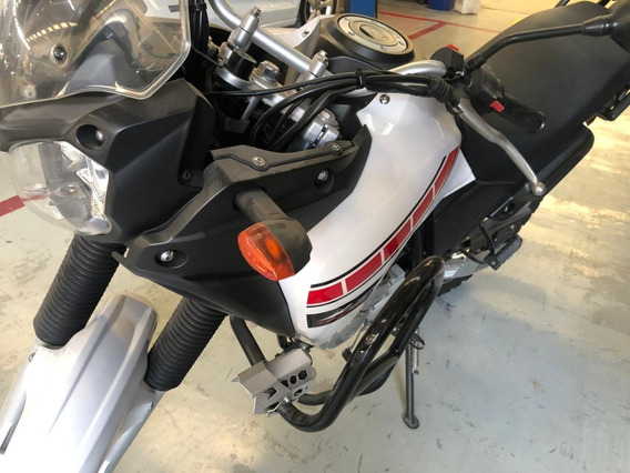 Moto Yamaha Thenere 2014