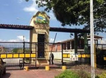 Casa En Venta Urb. Altamira, San Joaquin, Carabobo 17-50017