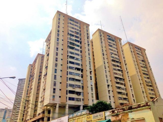 Apartamento En Venta En Maracay Res. Los Mangos Zp 20-18407