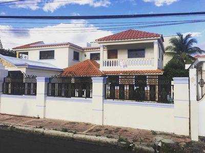 Casa De 4 Abitaciones Y Dos Baño De 2 Nivel