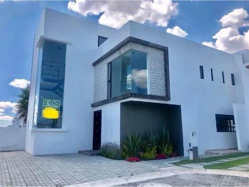 Casa Sola En Venta Con Excelentes Acabados Y Totalmente Equipada, Valle Del Sol, Sur De Pachuca.