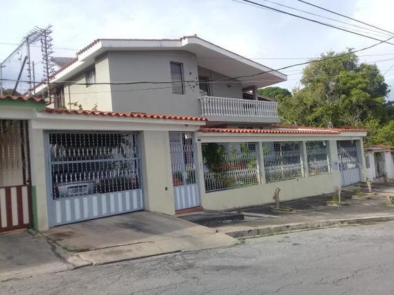 Casa En Venta Este Barquisimeto #20-1496 As