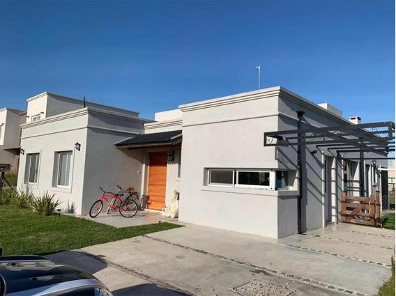 Casa En Venta Canning 5 Amb. Barrio Santa Juana
