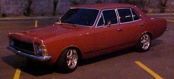 Opala 76 4cc 4 Portas Vermelho
