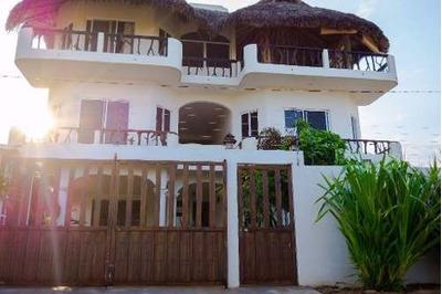 Casa En Venta Puerto Escondido Oaxaca Sobre La Playa.