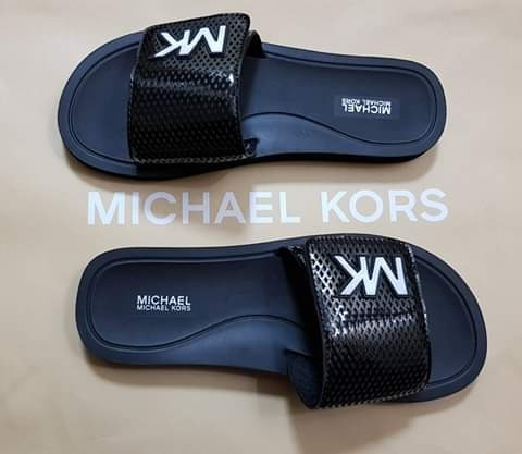 Michael Kors Sandalia Playera Varios Numeros.