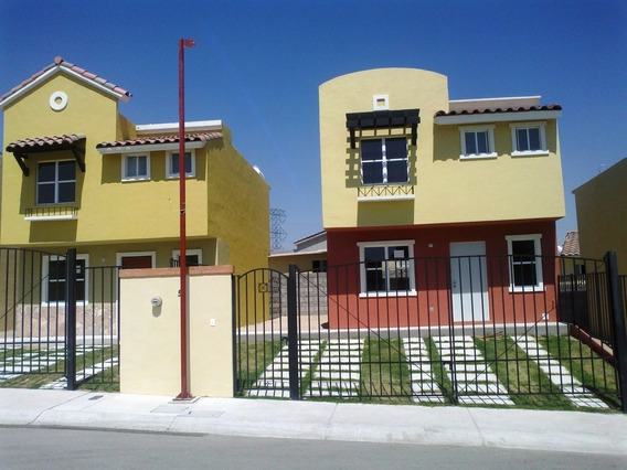 Preciosa Casa Californiana En Real Solare - 3 Recámaras, 2.5 Baños, Privada