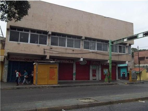 Edificio Comercial En La Avenida Lara