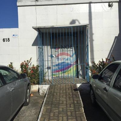 Área Comercial Para Alugar Na Tamarineira, Com Escritório E Galpão. - Ga0008