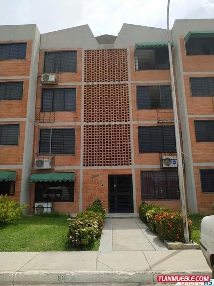 Apartamento En Parque Coropo, La Morita.