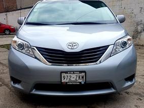 Toyota Sienna 3.5 Le 8 Pasajeros,cristales Electricos,llama!
