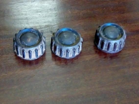 Três Botões De Rádio Antigo Em Baquelite