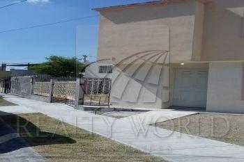 Pstrongcasa De Dos Plantas, Con Terreno Excedente, Muy Cerca De Avenida, En La Entrada A Juárez N.l. Cerca De Plaza Comercial./strong/p