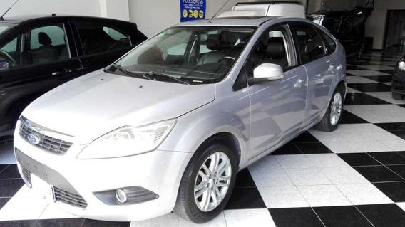 Ford Focus Ghia 2.0 5p