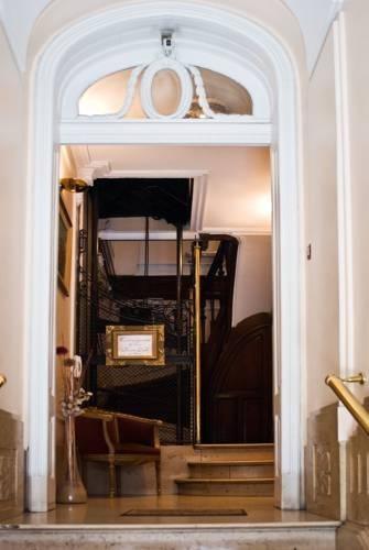 Venta Fondo Comercio Hotel Con Propiedad - San Nicolas