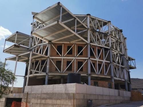 Oficina En Venta En Querétaro Con La Mejor Vista A Reserva